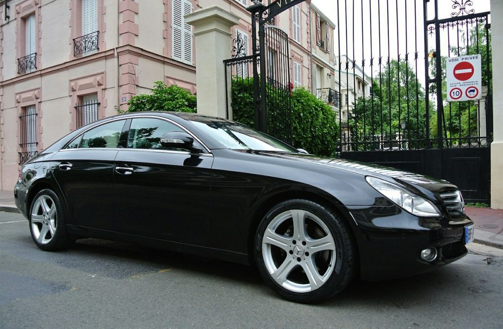 VTC Pia: Mercedes