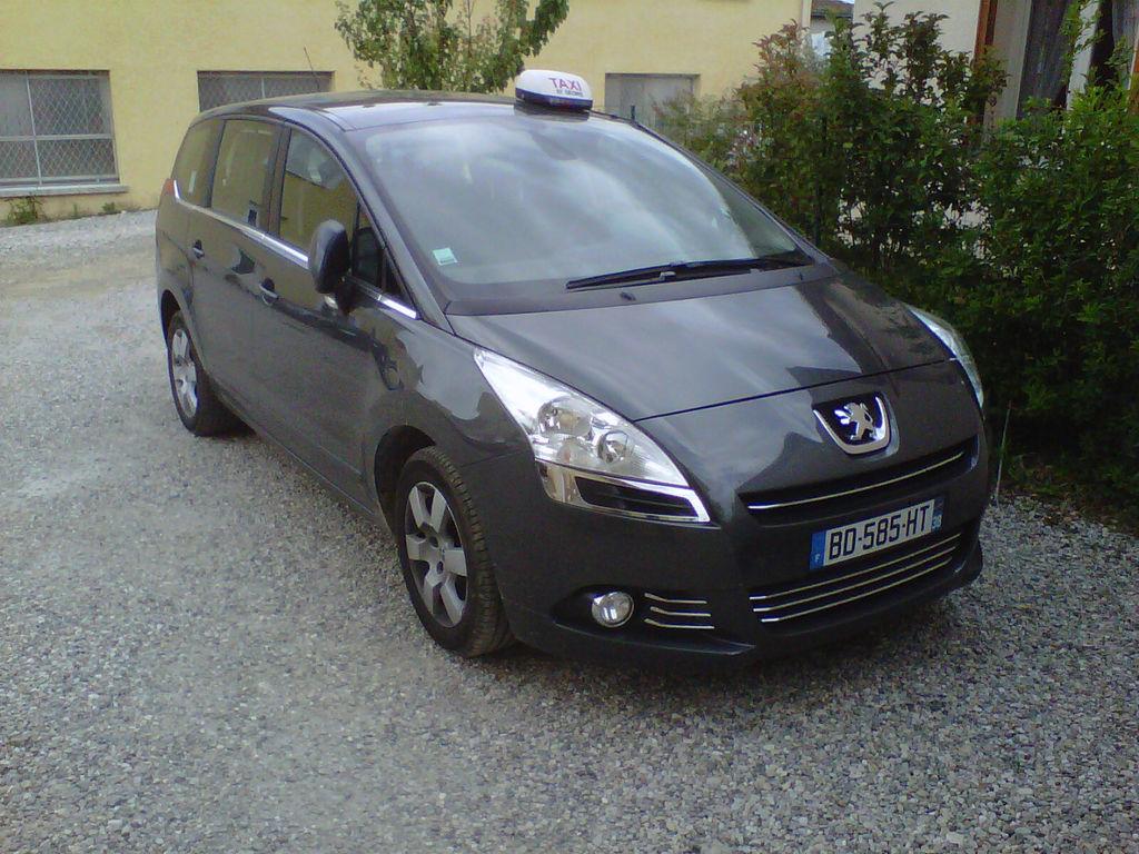 Taxi Saint-Siméon-de-Bressieux: Peugeot