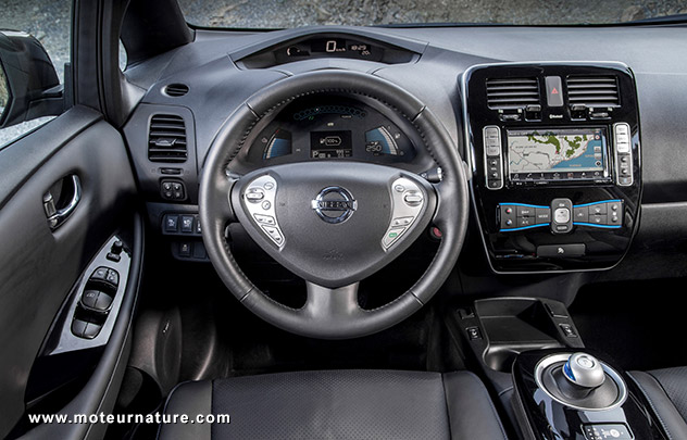 VTC Montaigu: Nissan