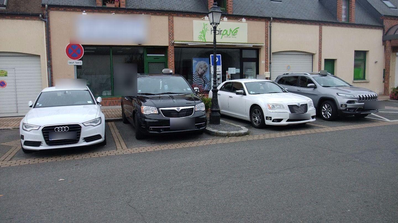 Taxi Saint-Martin-d'Abbat: Lancia