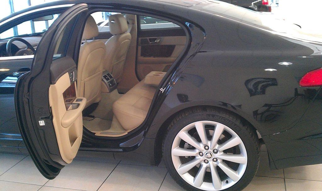 VTC Épernay: Jaguar