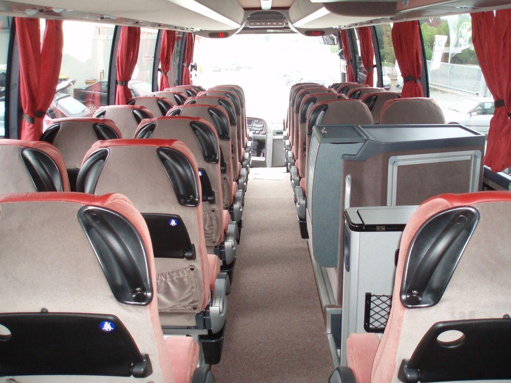 Autocar Minibus à Saint-André-de-Cubzac : Autocariste à St