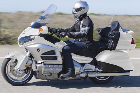 Moto avec chauffeur Châtillon: Honda