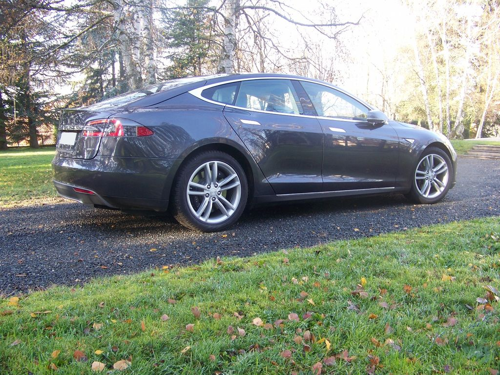 VTC Mâcon: Tesla