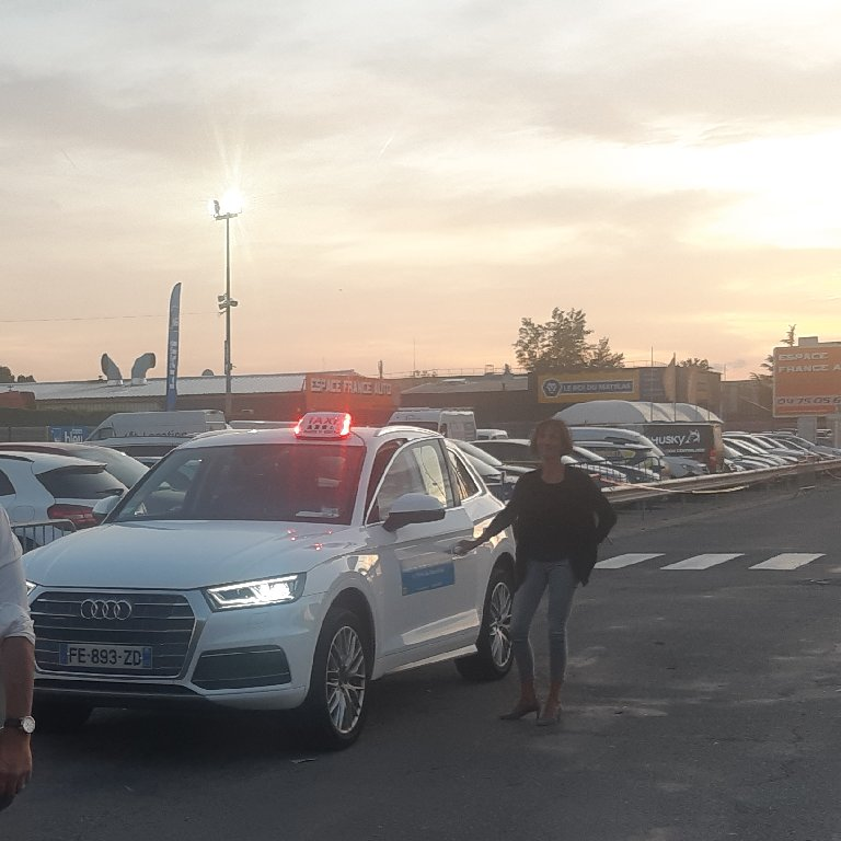 Taxi Mours-Saint-Eusèbe: Audi
