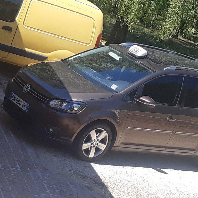 Taxi Mours-Saint-Eusèbe: Volkswagen