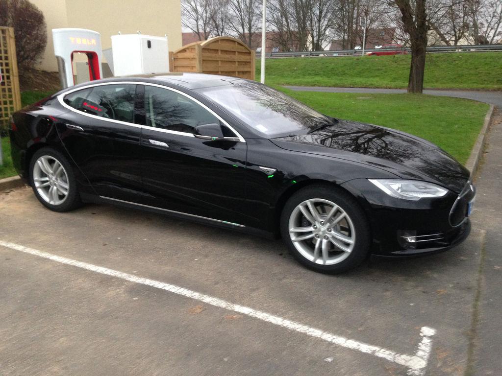 VTC Boutigny: Tesla