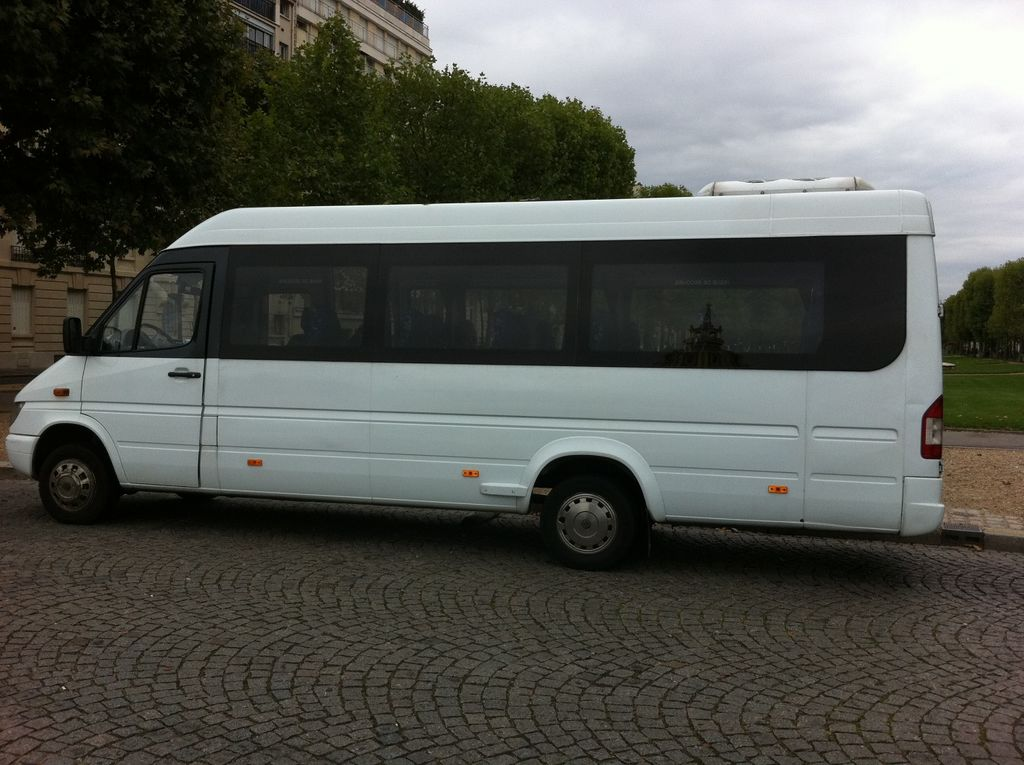 Autocariste Dugny: Mercedes