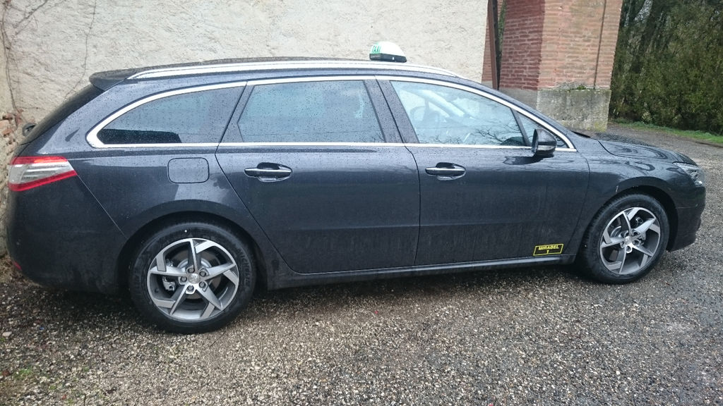 Taxi Mirabel: Peugeot