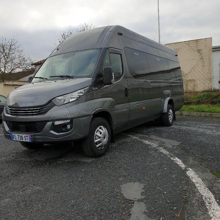 Coach provider Montigny-lès-Cormeilles: Iveco