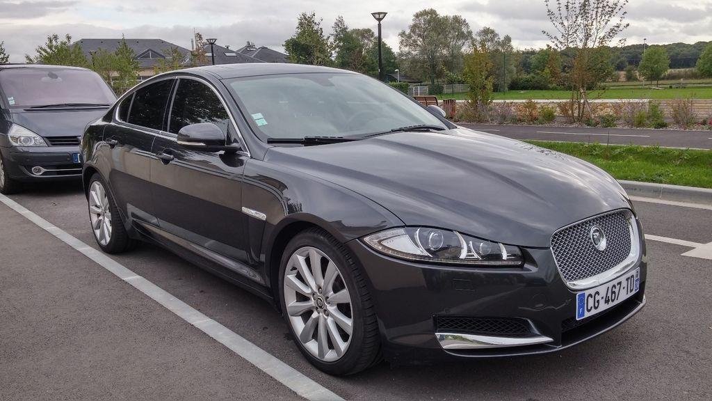 VTC Magny-les-Hameaux: Jaguar