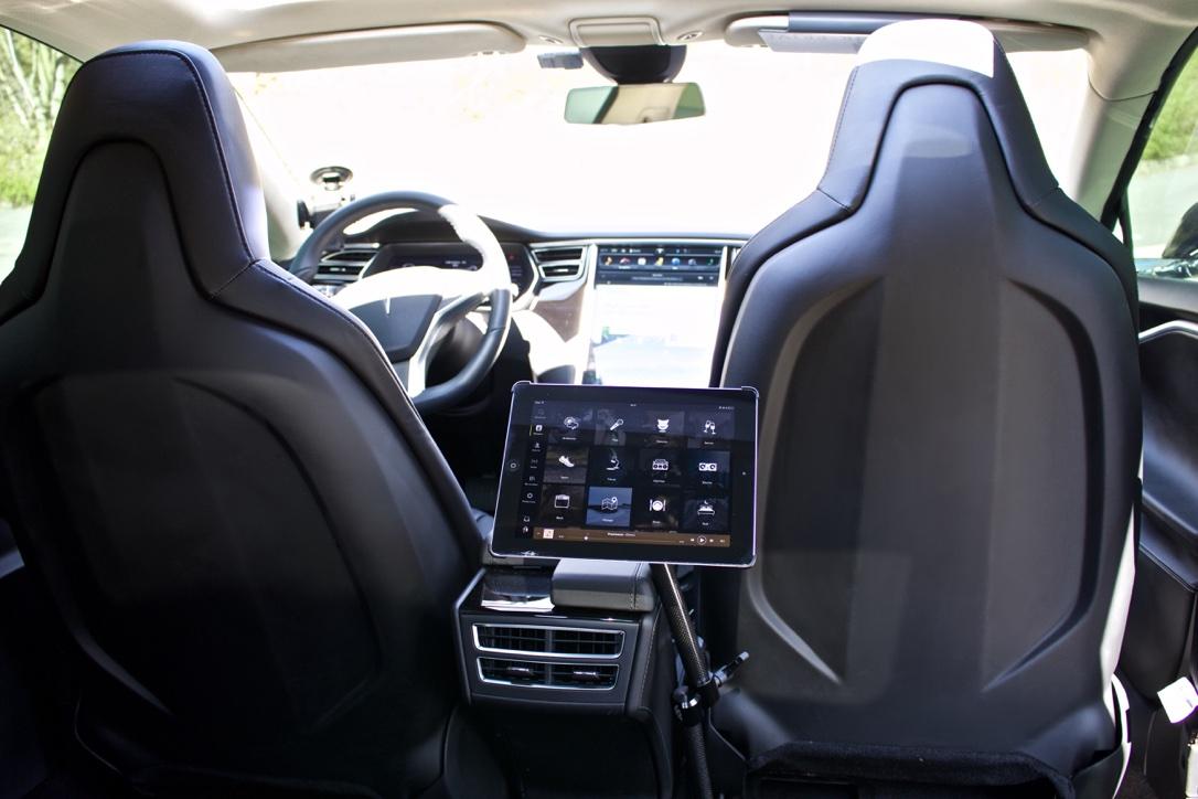 Taxi Montigny-le-Bretonneux: Tesla