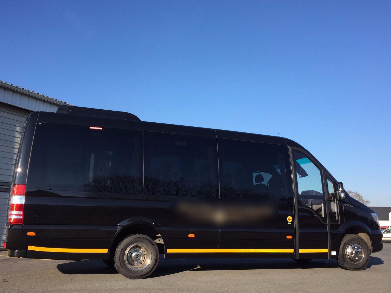 Coach provider Bono: Mercedes