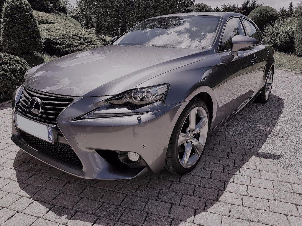 VTC Trévoux: Lexus