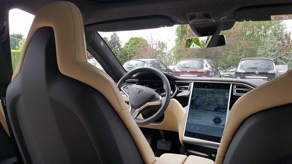 Taxi Lille: Tesla
