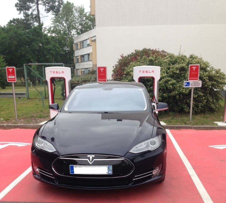 vtc chauffeur priv bruges votre chauffeur tesla 100 electrique. Black Bedroom Furniture Sets. Home Design Ideas