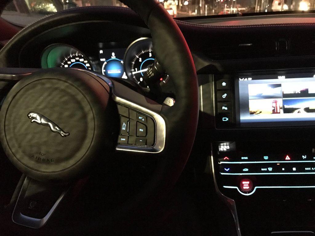 VTC Nice: Jaguar