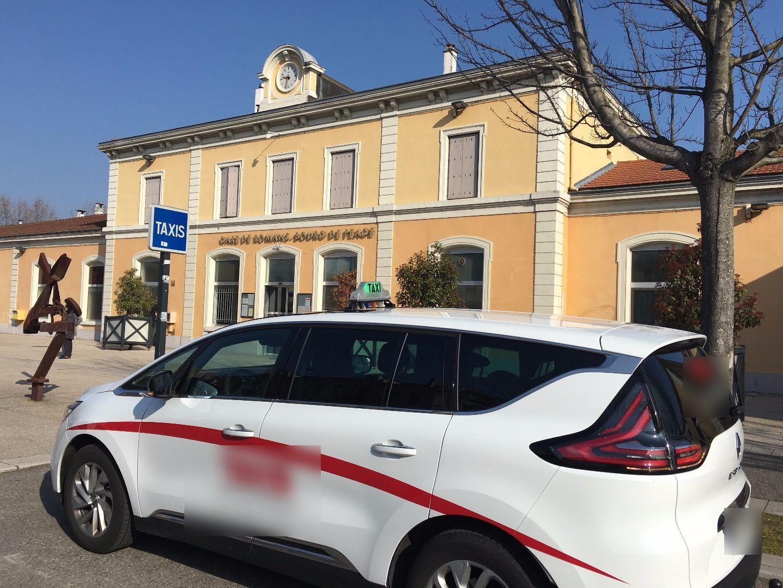 Taxi Charmes-sur-l'Herbasse: Renault