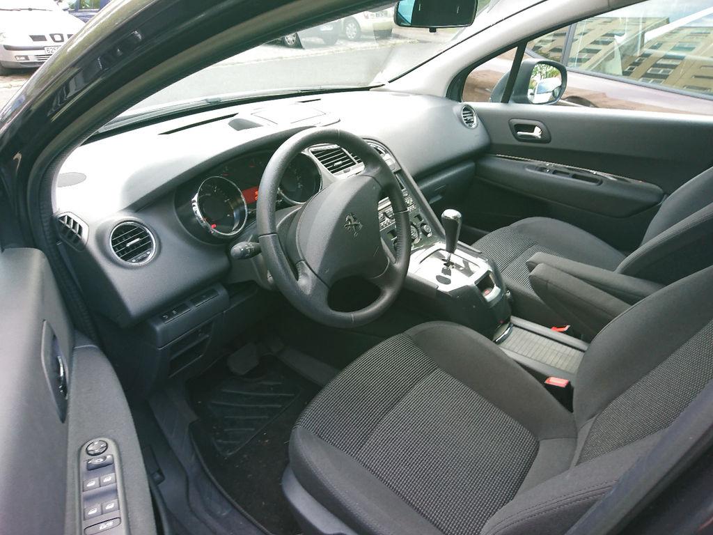VTC Mons-en-Baroeul: Peugeot