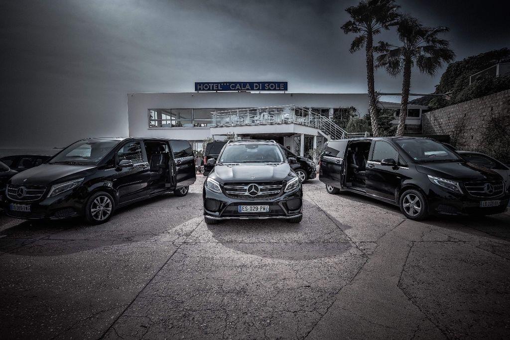 Taxi Peri: Mercedes