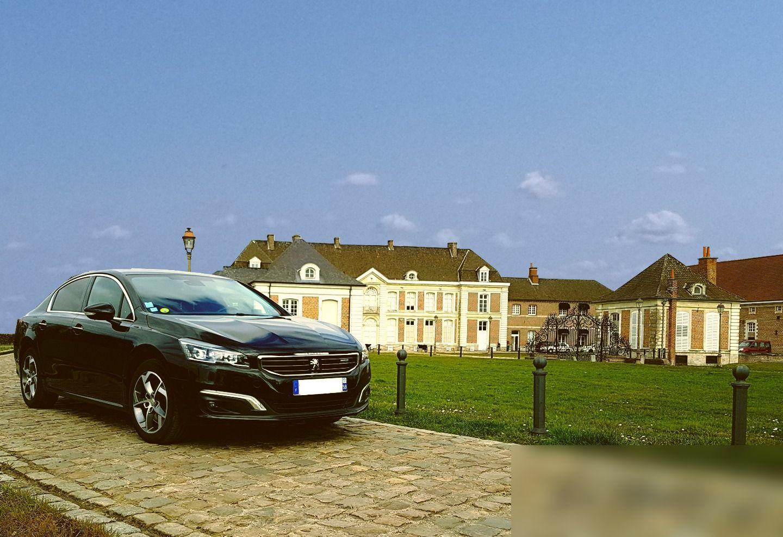 VTC Douchy-les-Mines: Peugeot