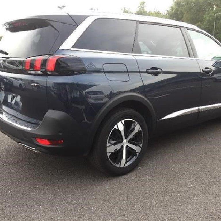 VTC Étriché: Peugeot