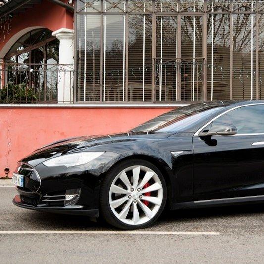 VTC Francheville: Tesla