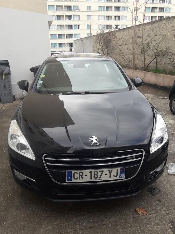 VTC Vénissieux: Peugeot