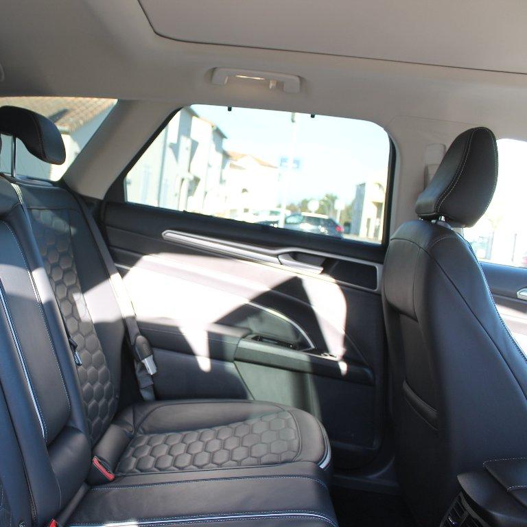 Taxi Chasseneuil-du-Poitou: Ford