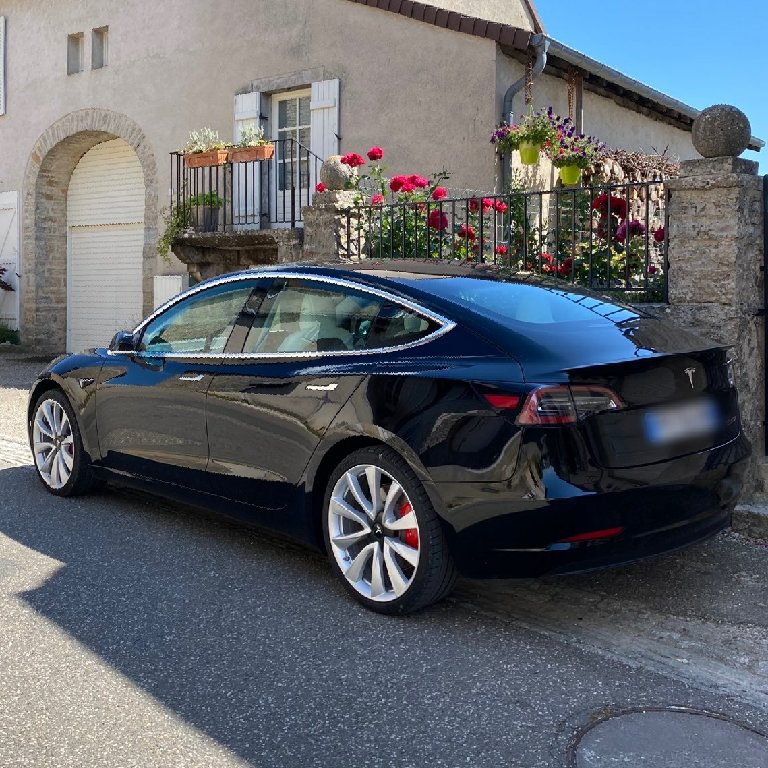 VTC Péronnas: Tesla