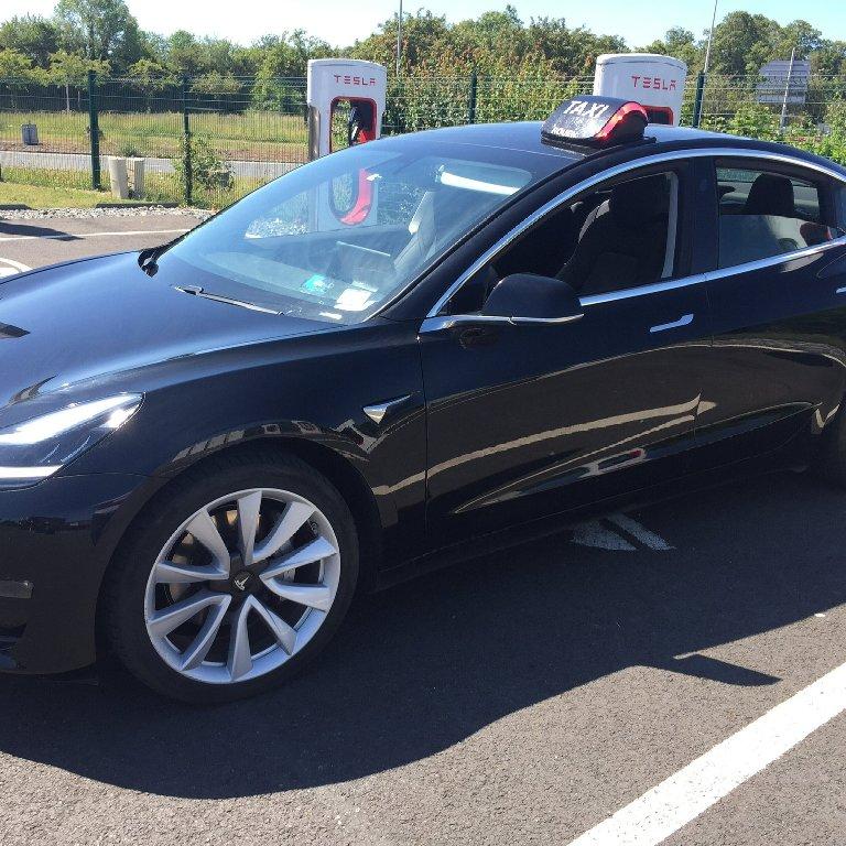 Taxi Rouen: Tesla