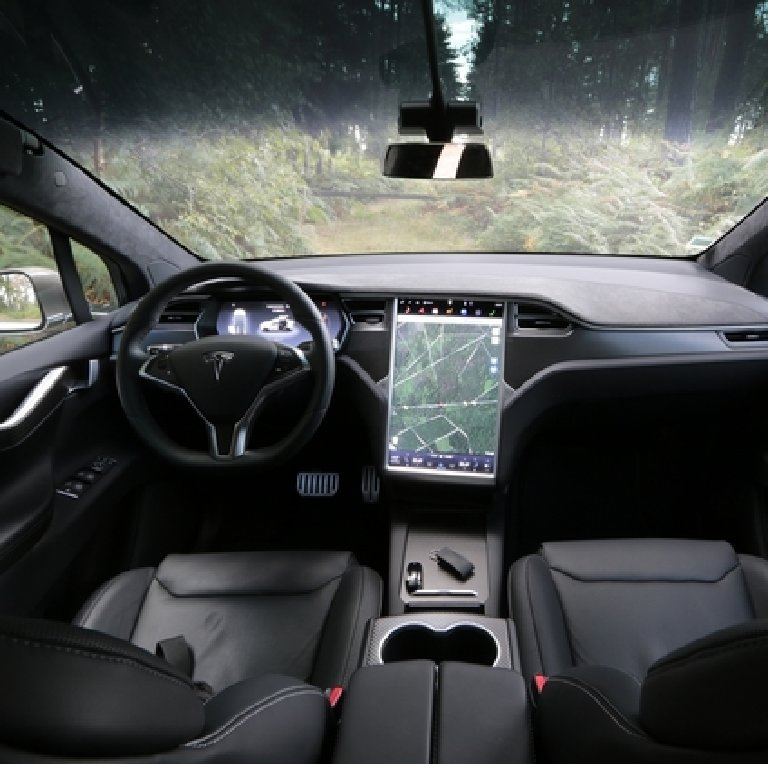 VTC Auriol: Tesla
