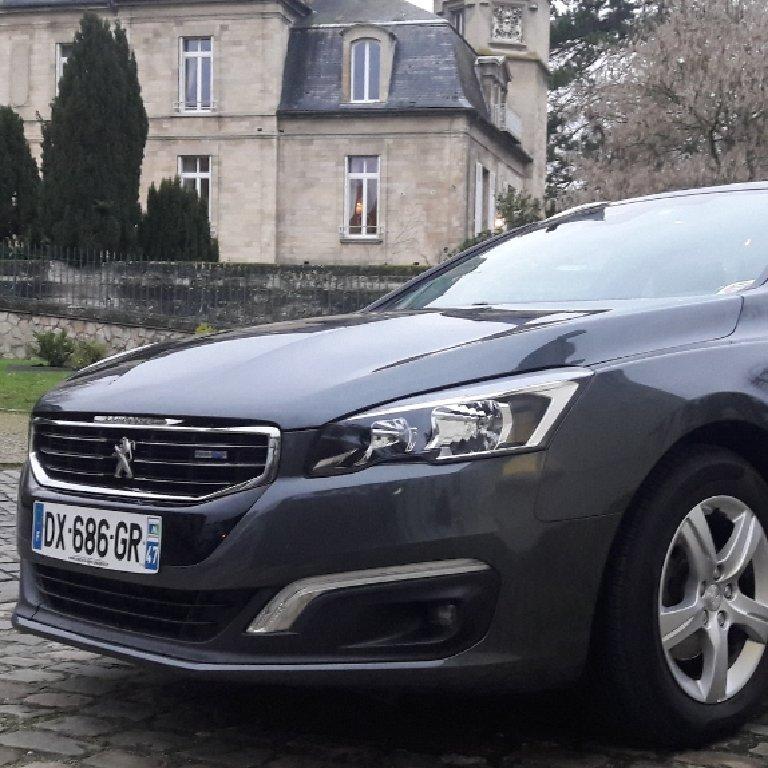 VTC Blaincourt-lès-Précy: Peugeot