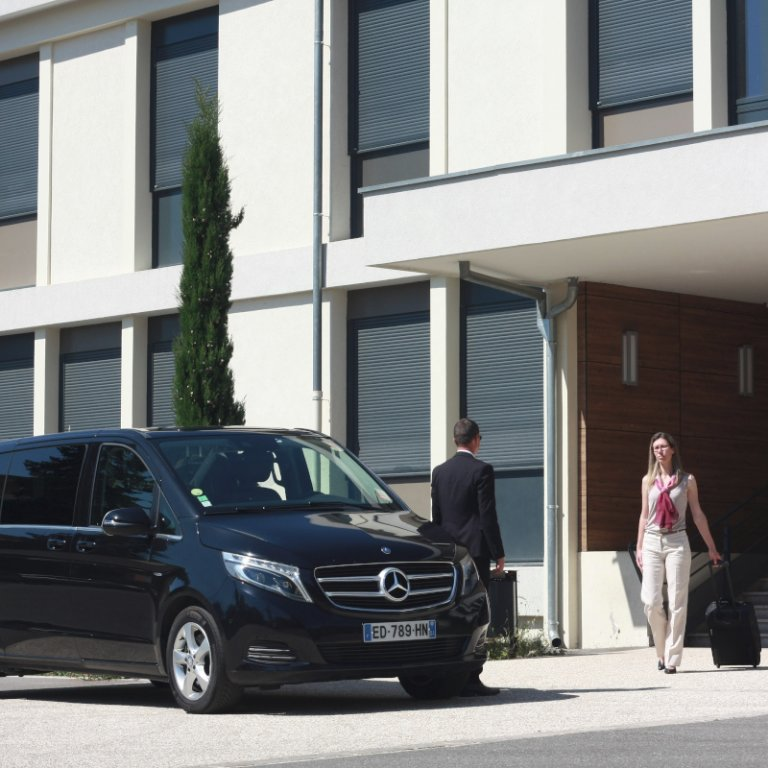 VTC Chalamont: Mercedes