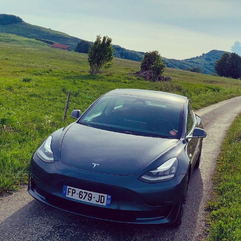 VTC Pont-de-Labeaume: Tesla