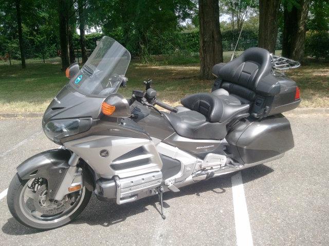 Moto avec chauffeur Bruges: Honda